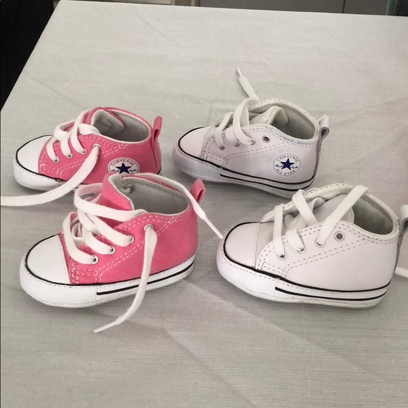 20904e8fa5c Converse Other - 2 baby converse soft bottoms plus 8 extra girls